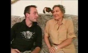 Mature Granny gets fucked la vieja de las compra xVideos