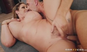 Superb Buxom Cougar Relishes A Warm Shower Before Wild Sex