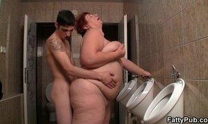 Slim guy screws huge bitch in the restroom xVideos
