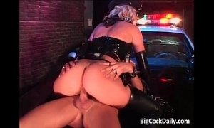 Hot and slutty police lady fucks xVideos