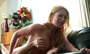 Addicted to sex milf Jennifer Best seduces her hot blooded boss AnySex