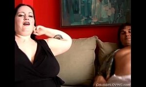 Beautiful busty BBW gives a sloppy blowjob xVideos