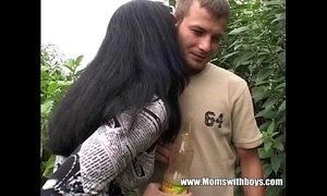Young Gardener Gets To Fuck His Horny Mature Client xVideos