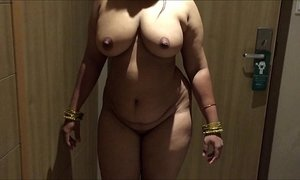 xxxmilf.pro 6320734 indian desi wife aunty sexy show 720p xVideos