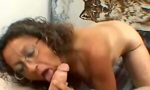 Ugly mature slut gives her horny client an amazing blowjob