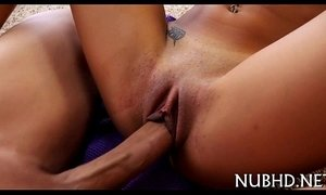Small babe gets screwed roughly xVideos