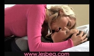 Lesbea MILF seduces teen xVideos