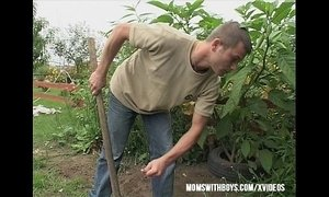 Gardener Sexual Interruption Outdoors xVideos