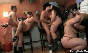 Hot group BBW orgy in the bar xVideos