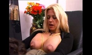 Secretary with Big natural titts banged xVideos