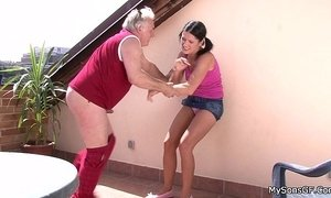 Older man fucking younger woman from behind xVideos