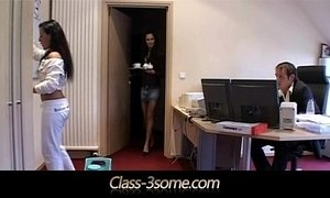 Threesome Relaxation on the office desk xVideos