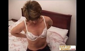 Amateur MILF cheating on her husband xVideos
