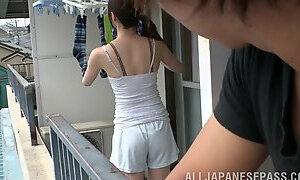 Japanese woman is great at giving a blowjob to a fellow