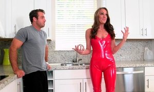 Stunning mom in a latex suit Beeg