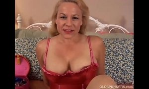 Beautiful mature blonde is a squirter xVideos
