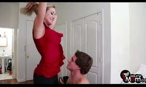 Brandi Love shows us her amazing big boobs and fucks hard - xxxmilf.pro xVideos