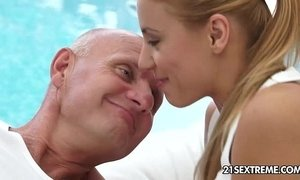 Spicy Blonde xVideos