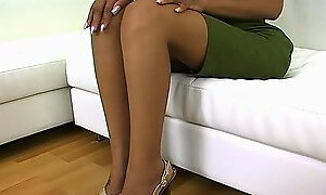 Sexy footjob from an ebony pornstar