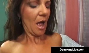 Texas Cougar Deauxma Squirts From Her Creaming Hot Pussy! xVideos