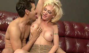 Naughty shemale with big tits gets her armpits licked properly AnySex